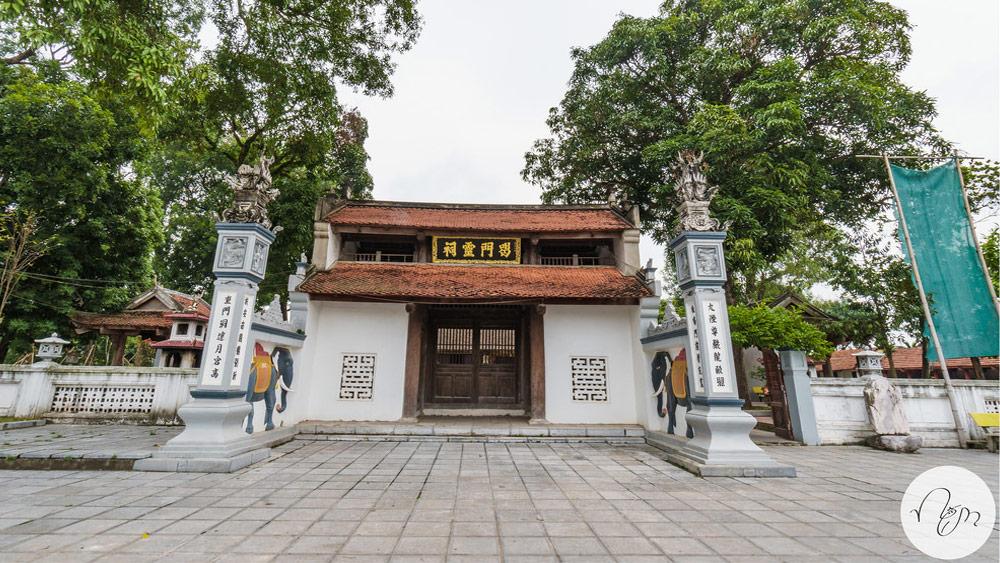 Đền Hát Môn bên trong