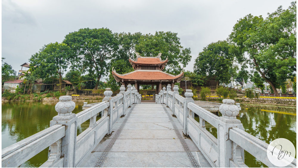 Đền Hát Môn Đình Thủy