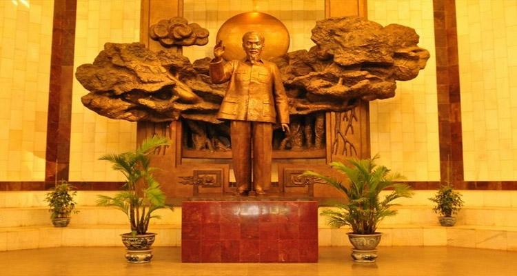 Bảo tàng Hồ Chí Minh có gì