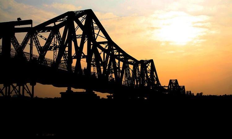 Cầu Long Biên Hà Nội chiều tàn