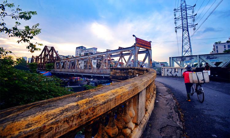 Cầu Long Biên Hà Nội mộc mạc