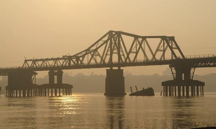 Cầu Long Biên Hà Nội bình minh