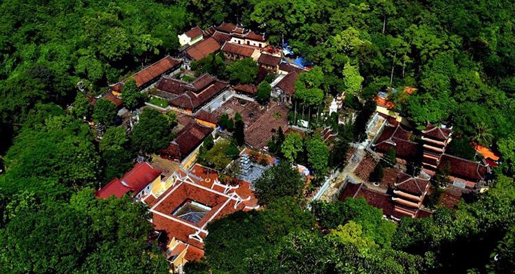 toàn cảnh chùa Hương Hà Nội