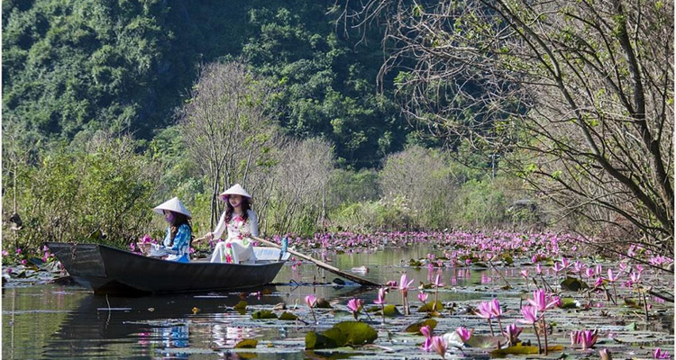 suối Yến chùa Hương Hà Nội