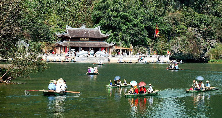 Đền Trình chùa Hương