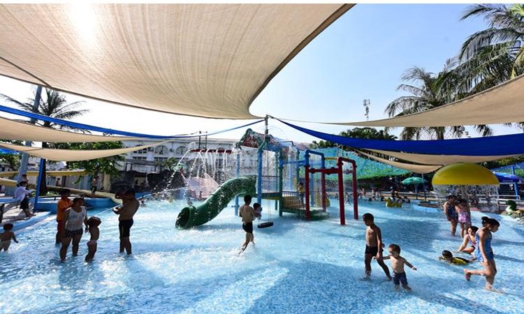 Giá vé công viên nước Hồ Tây - bể bơi