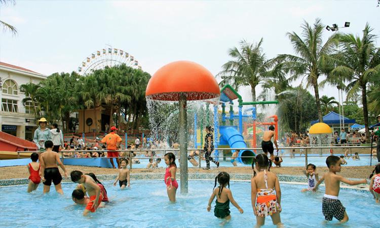 Giá vé công viên nước Hồ Tây - khu vui chơi trẻ em