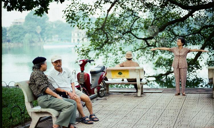 ảnh Hồ Gươm Hà Nội - tập thể dục