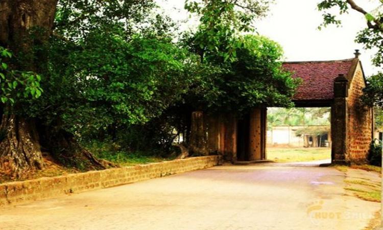 Giới thiệu về Làng cổ đường Lâm - cổng làng