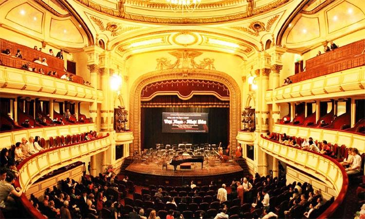 Nhà hát Lớn Hà Nội hiện đại