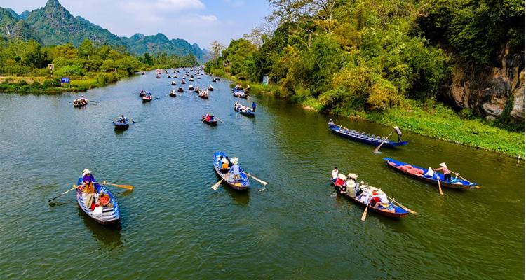 Suối Yến chùa Hương 01