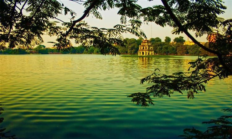 ảnh Hồ Gươm Hà Nội nước xanh 4 mùa