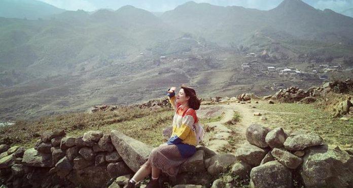 Bãi đá cổ Sapa - hình ảnh cô gái