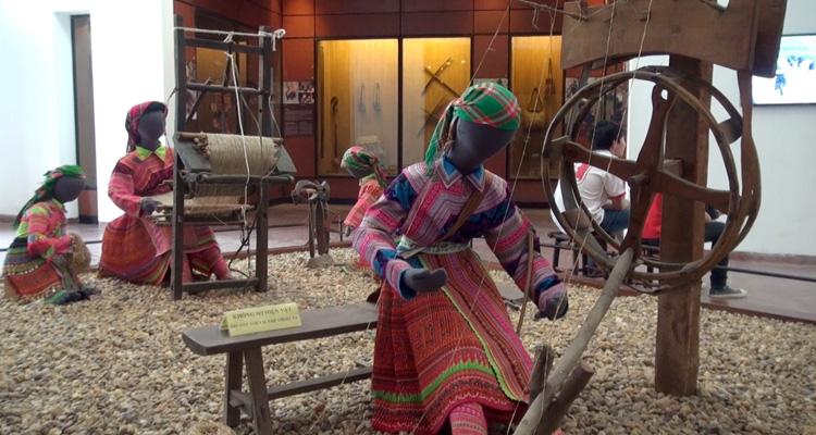 Bảo tàng dân tộc học Việt Nam - hiện vật