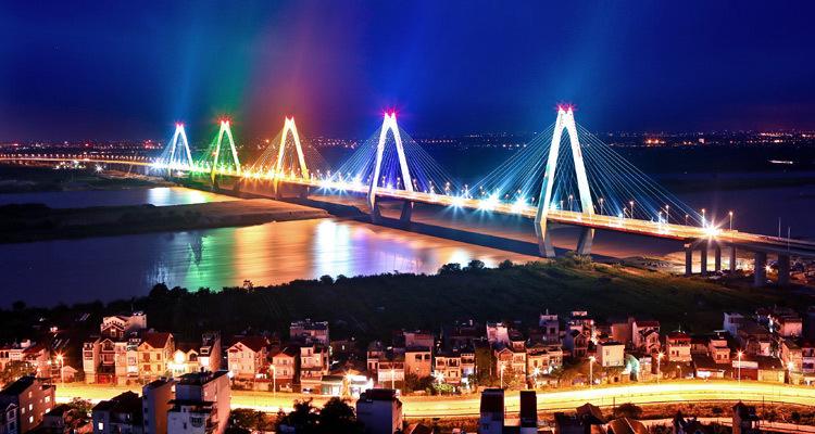 Cầu Nhật Tân Hà Nội về đêm