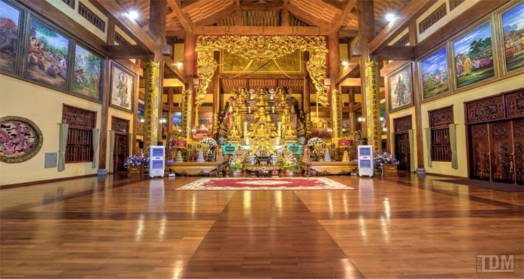 chùa ba vàng 1