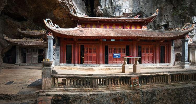 Chùa Bích Động chùa Trung