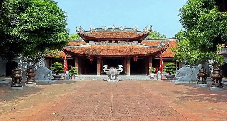 Đền Đô - Một địa điểm gần chùa Phật Tích