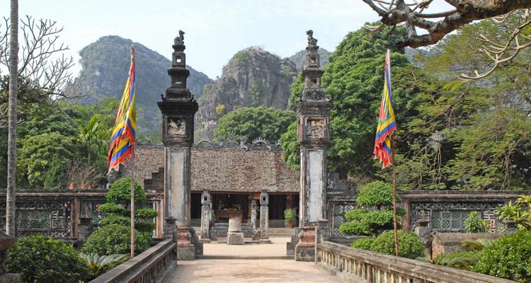 Cố Đô Hoa Lư đền vua Đinh