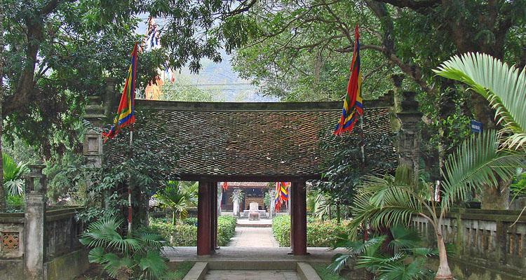 Cố Đô Hoa Lư đền thờ vua Lê