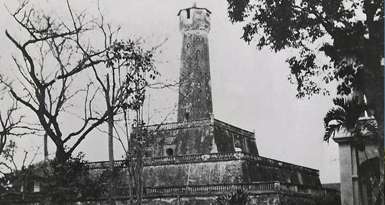 Ảnh cột cờ Hà Nội xưa