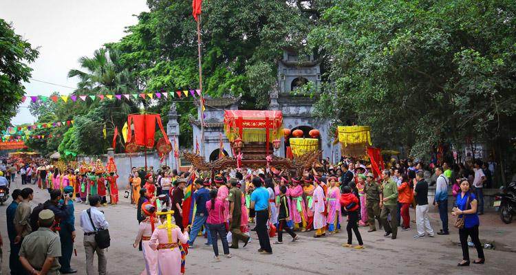 Lễ hội Đền Mẫu Hưng Yên