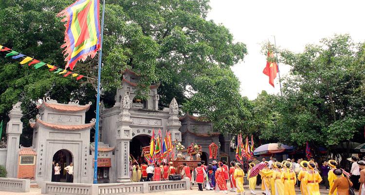 Lễ hội đền Trần Nam Định tháng 8 âm lịch