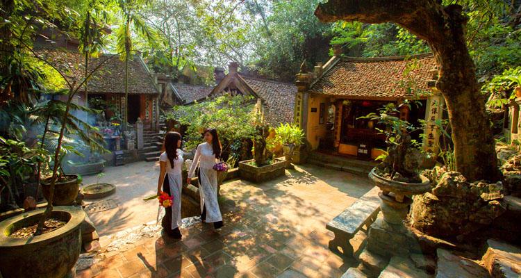 Kinh nghiệm đi chùa Thầy