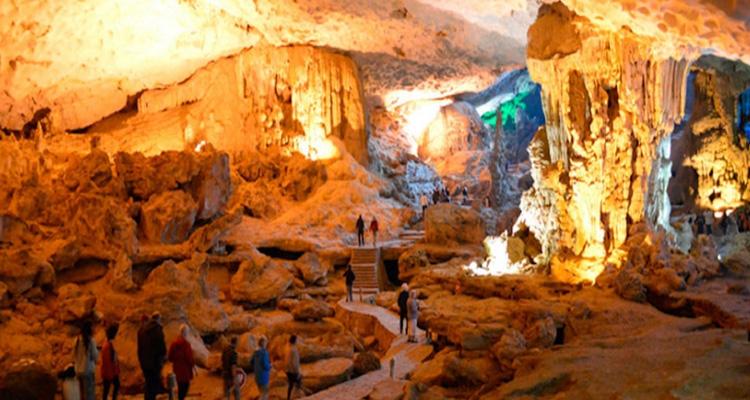Du lịch Cát Bà hang động