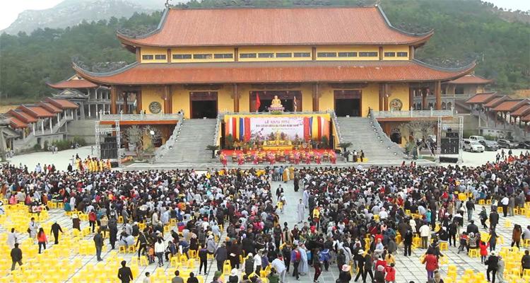 du lịch chùa ba vàng 1