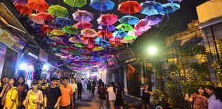 Du lịch làng lụa vạn phúc - lễ hội làng