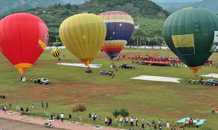 Du lịch Mộc Châu - khinh khí cầu