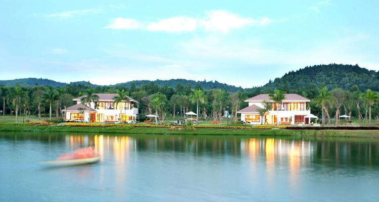 Quanh hồ Đại Lải resort
