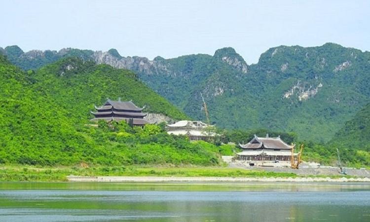 Hình ảnh chùa Tam Chúc - núi non