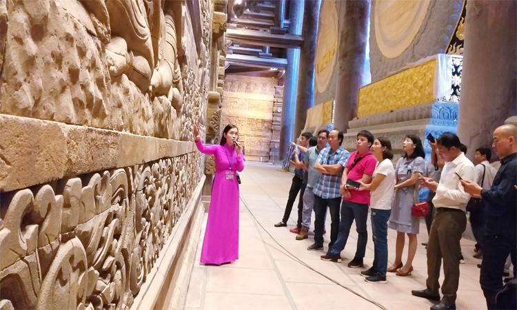Hình ảnh chùa Tam Chúc - tham quan