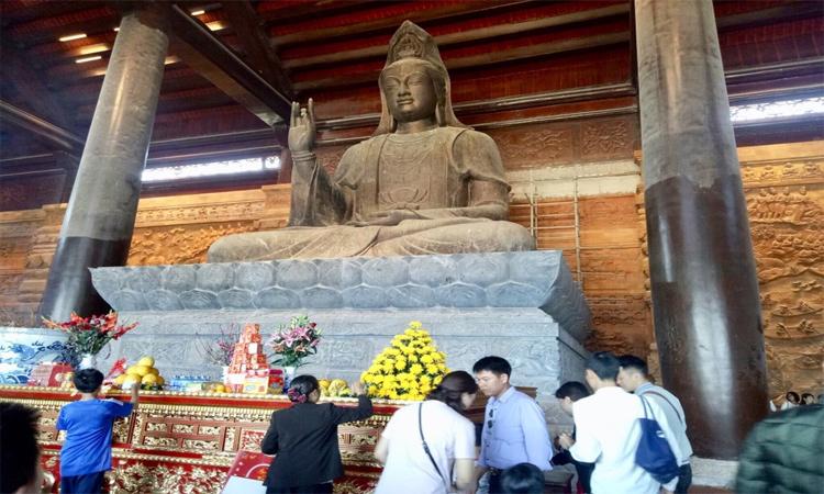 Hình ảnh chùa Tam Chúc - tượng đồng