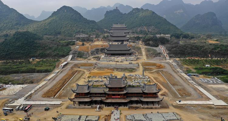 Hình ảnh chùa Tam Chúc 2019
