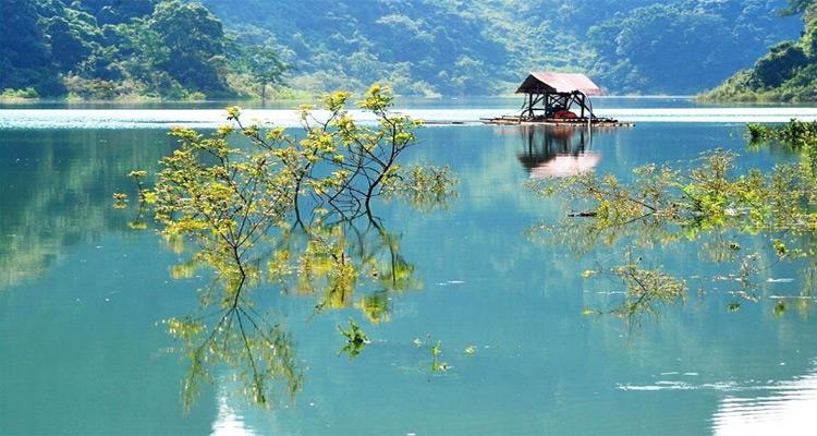 """Hồ Thang Hen Cao Bằng - """"Tuyệt tình cốc"""" huyền bí, thơ mộng"""