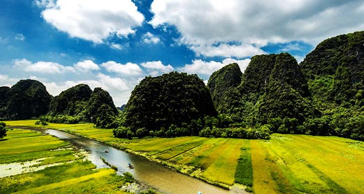 Khu du lịch Tràng An Ninh Bình tam cốc