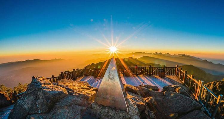 Một số địa điểm du lịch quanh núi Hàm Rồng Sapa