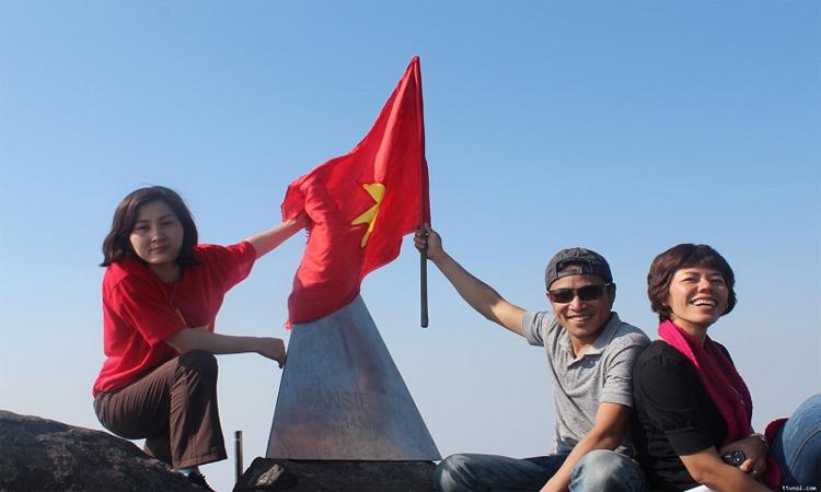 Phan xi păng - cột cờ