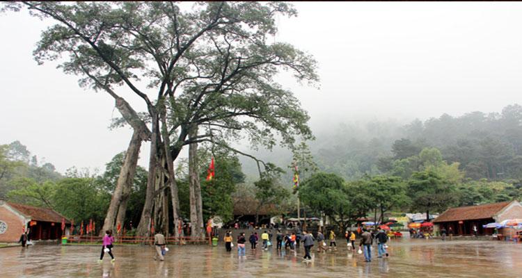 Đền Thỏng là của ngõ Tây Thiên