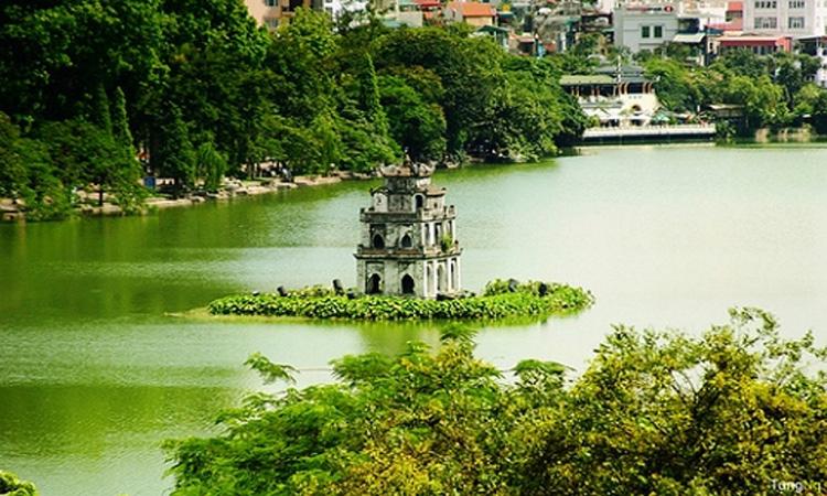 Tháp Rùa Hồ Gươm nước xanh 4 mùa