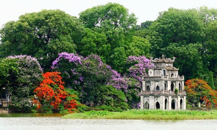 Tháp Rùa Hồ Gươm lung linh
