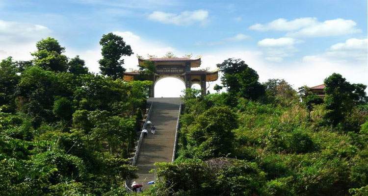 Vẻ đẹp thanh tịnh của Thiền viện Trúc Lâm Bạch Mã