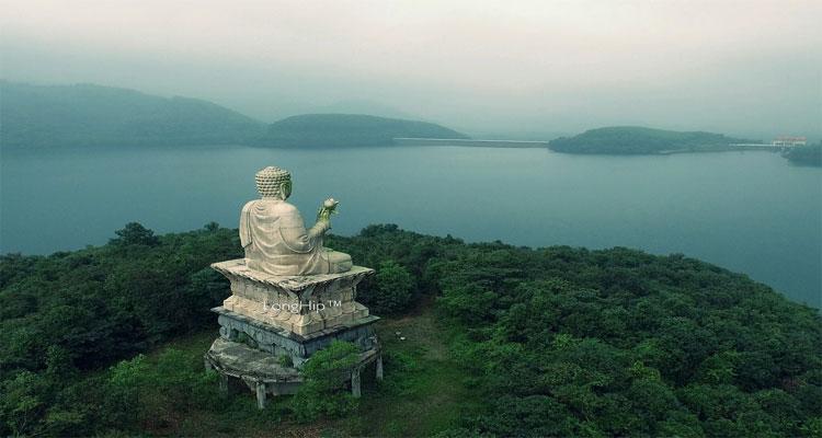 Tượng Phật ở Thiền viện Trúc Lâm Bạch Mã