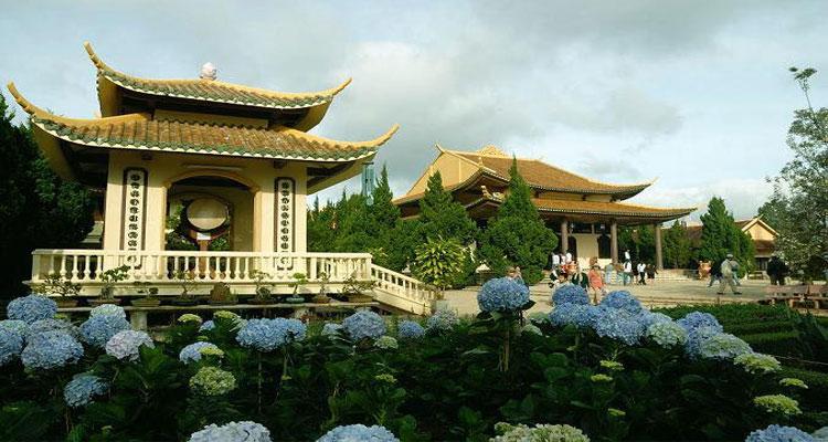 Thiền viện Trúc Lâm Đà Lạt là một trong bao thiền viện lớn nhất tại Việt Nam