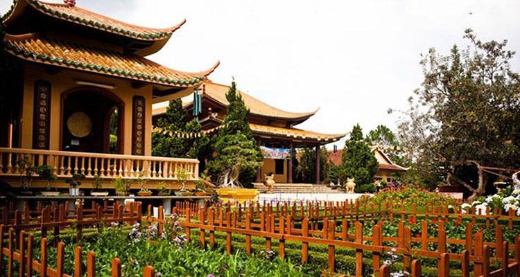 Tham quan Thiền viện Trúc Lâm Đà Lạt