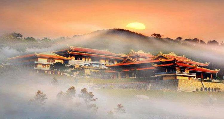 Thiền viện Trúc Lâm Tây Thiên là một trong 3 thiền viện lớn nhất ở Việt Nam