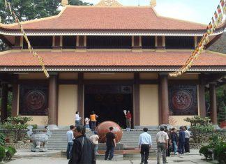 Thiền viện Trúc Lâm Yên Tử nằm ở chân núi Yên Tử